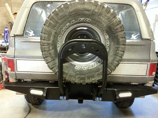DIY 4x :: Tubes & Bumpers :: Gauntlet Rear Bumper with Swing Down Tire Carrier